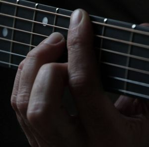 free guitar lessons: strengthen that bar
